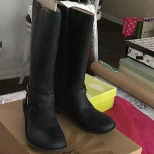 UGG leather tall boots black size 9 new box